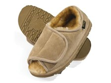 "Australia Women's Unlimited Lined Sheepskin Slippers: ""Old Friend"""